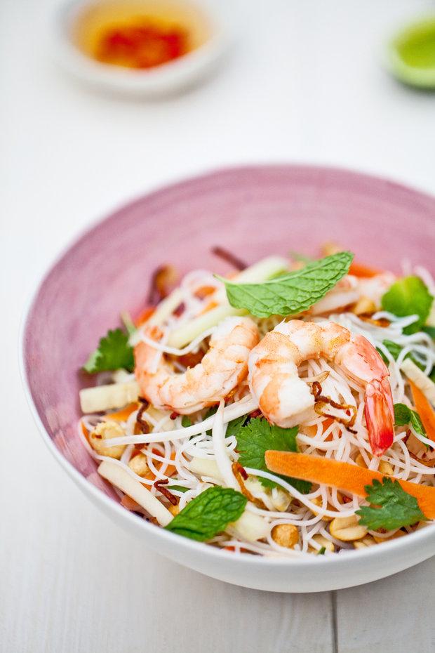 Vietnamský nudlový salát  Foto: