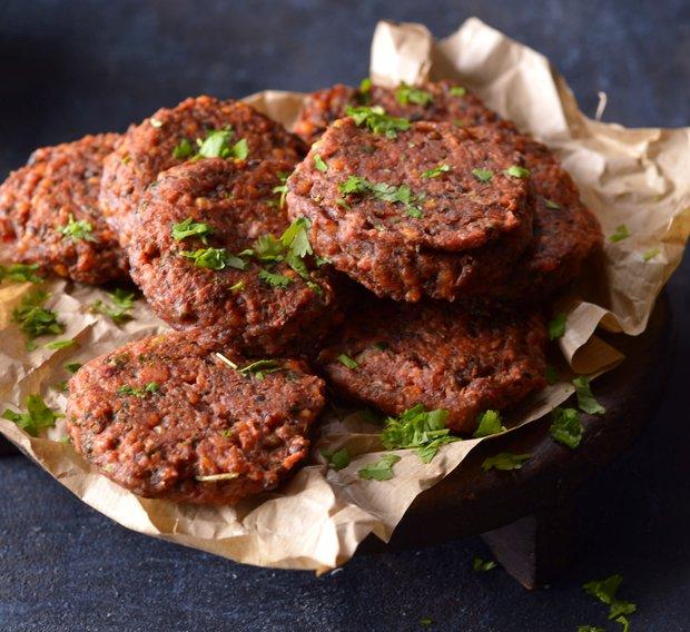 Indické hamburgery s červenou řepou  Foto: