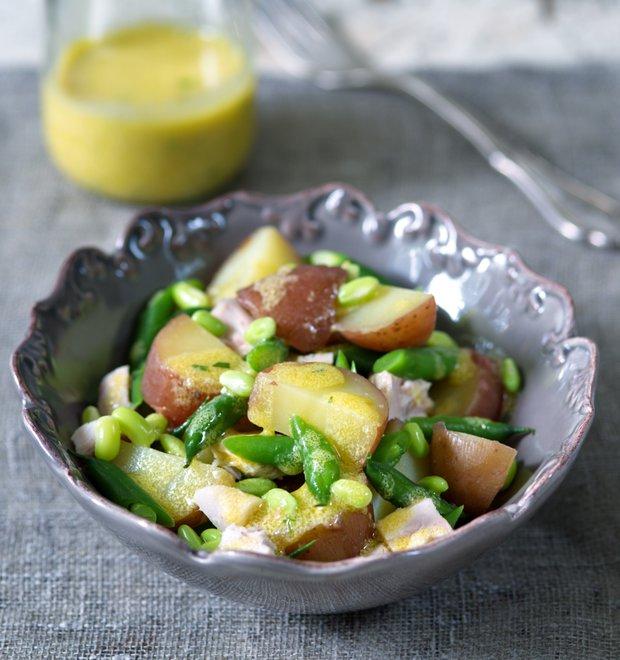 Francouzský bramborový salát s kuřetem  Foto: