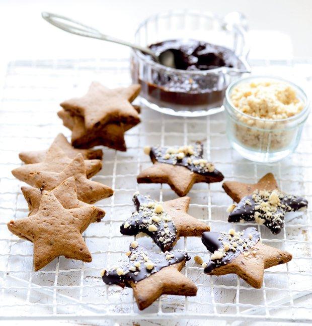 Datlové hvězdičky v čokoládové polevě  Foto: