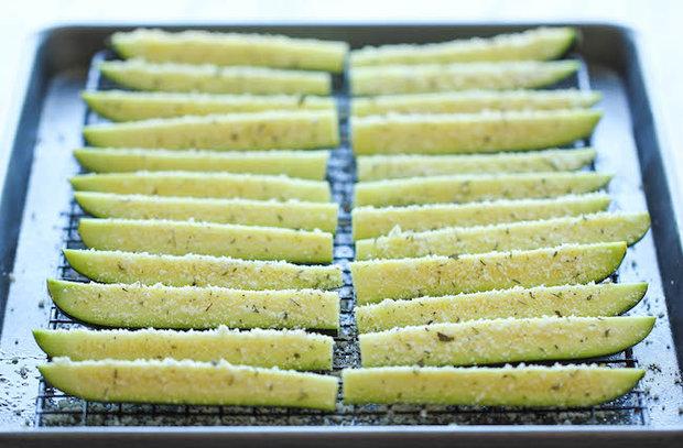 Pečené cuketové hranolky s parmazánem 3 Foto: