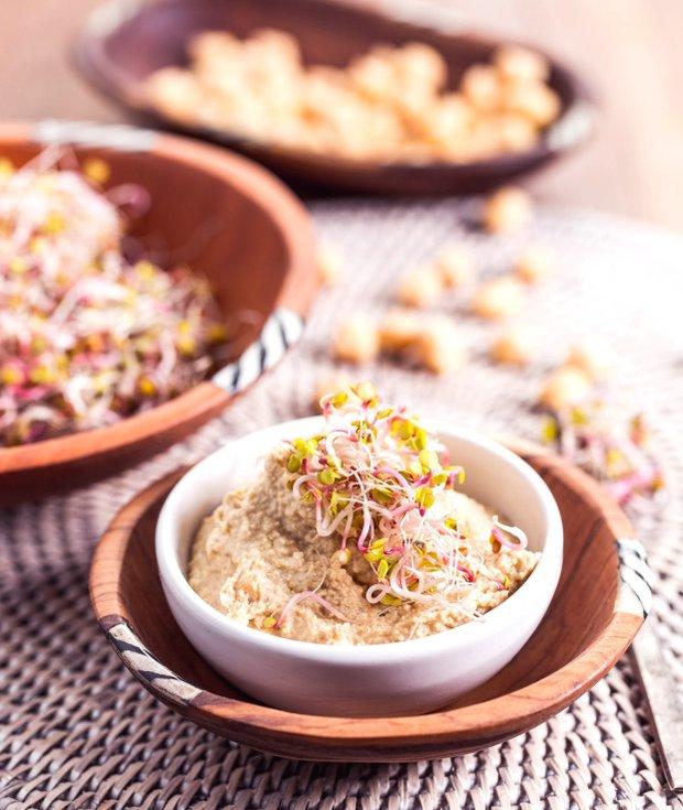 Hummus z naklíčené cizrny  Foto: