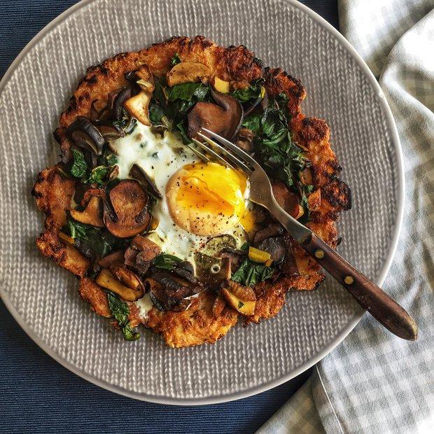 Bramborák s houbami a vejcem  Foto:
