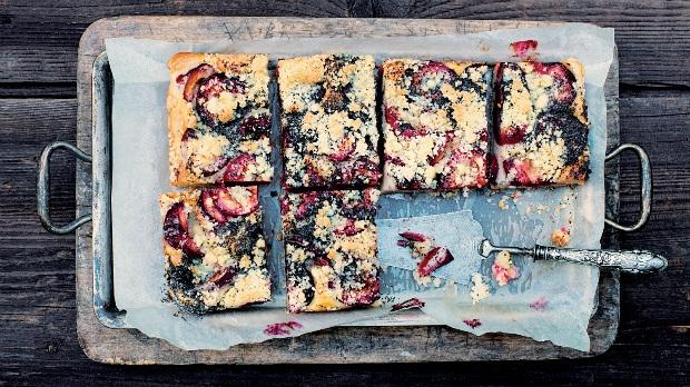 Švestkový litý koláč s mákem Foto: