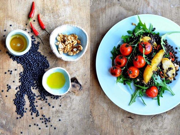 Salát z karamelizovaných hrušek a čočky Foto: Výpečky.com