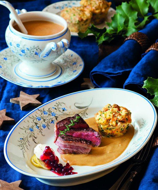 Svíčková s muffinem a medailonky  Foto: