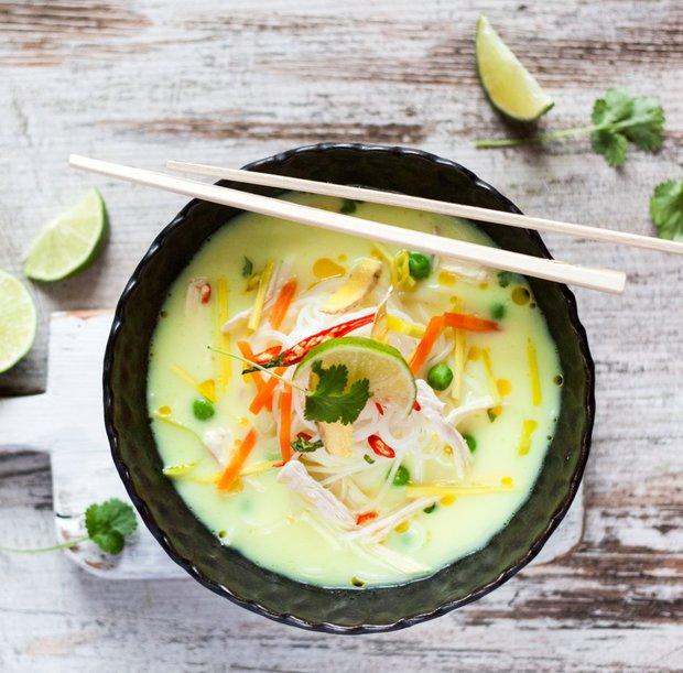 Kuřecí polévka po thajsku  Foto: