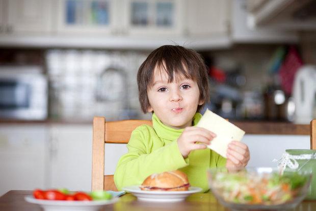 dítě se sýrem Foto: