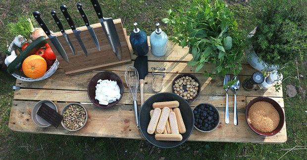 Pohár s borůvkami a pistáciemi 2