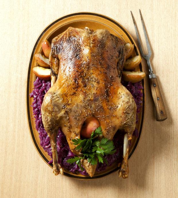 Pečená svatomartinská husa. Jak jinak, než se zelím Foto:
