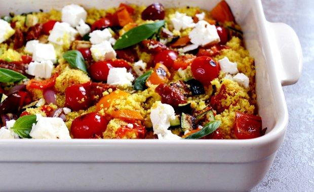 Kuskusový salát s pečenou zeleninou a sýrem feta  Foto: