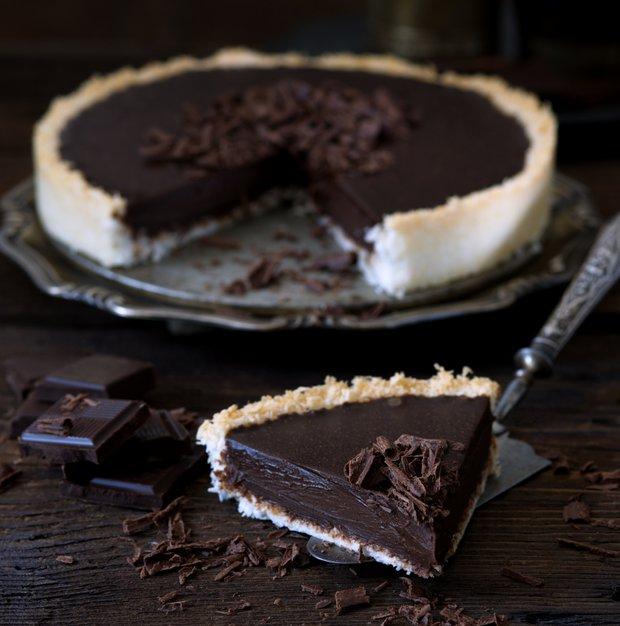 Bezlepkový čokoládový koláč s kokosovou krustou  Foto: