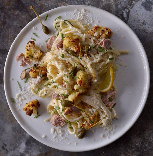 Těstoviny s tuňákem a pečeným květákem  Foto: