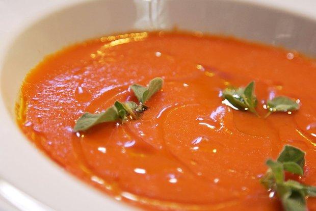 Polévka z pečených rajčat a paprik  Foto: