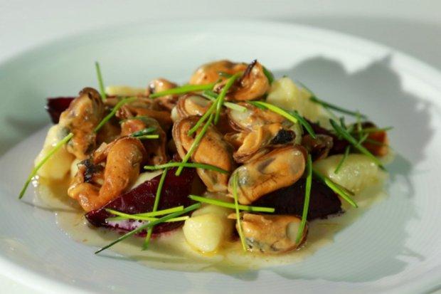Slávky s červenou řepou a bramborovými gnocchi  Foto: