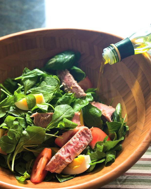 Pestrý salát s tuňákem Foto: Jednoduchá kuchyně
