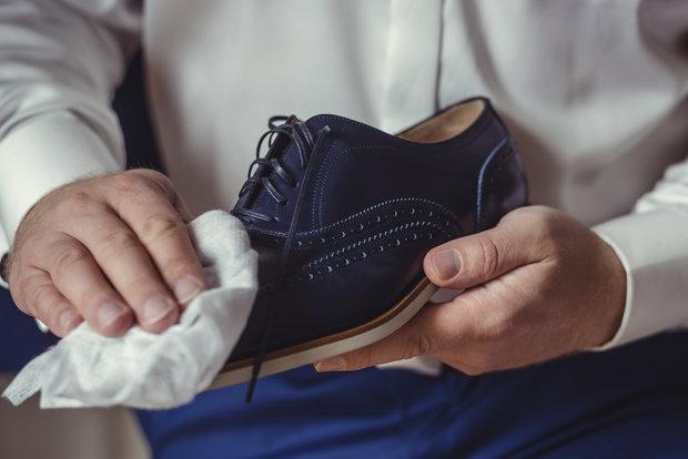 Kokosovým olejem vyleštíte i boty. Foto: