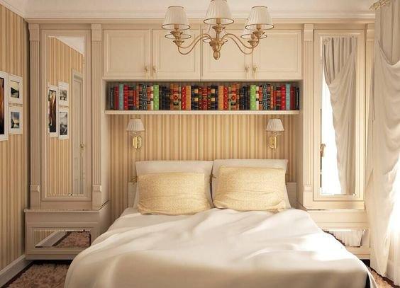 Skříňky můžete nakombinovat s retro tapetami a lampičkami.  Foto: