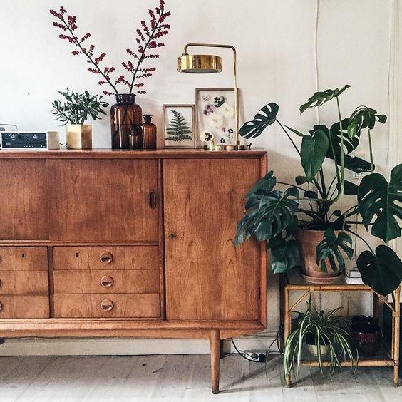 Květiny, obrázky, vzpomínky. To vše může doplnit retro styl u vás doma. Foto: