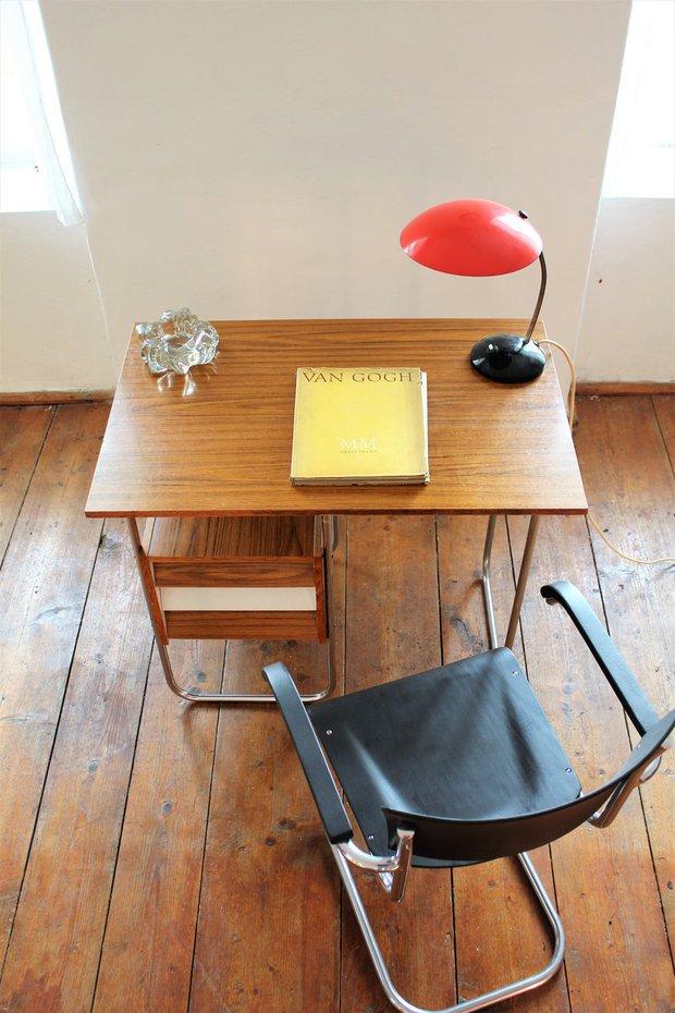Psací stůl nemusí být jen praktický, mlže vypadat takhle krásně Foto: