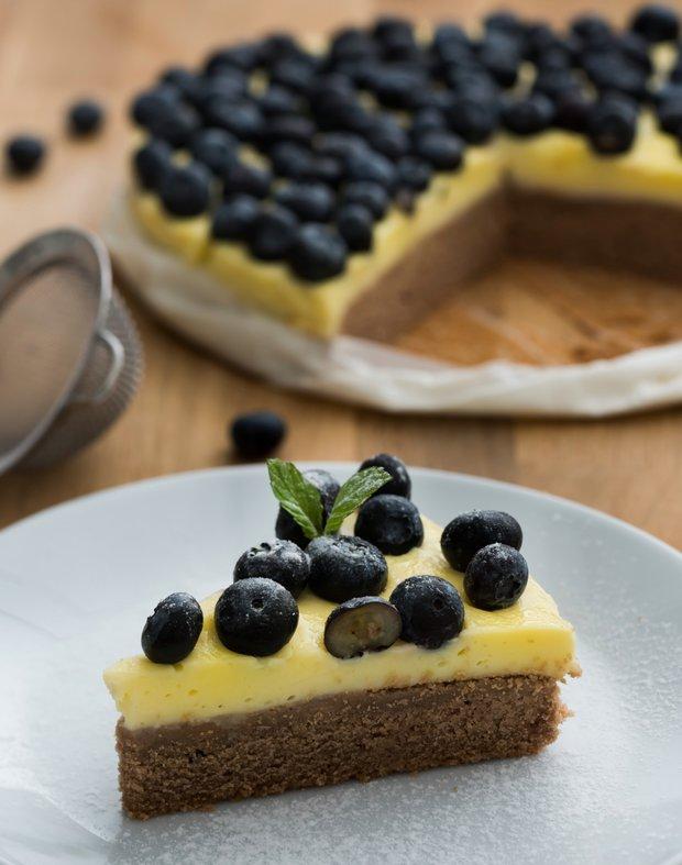 Borůvkový koláč s vanilkovým pudinkem  Foto: