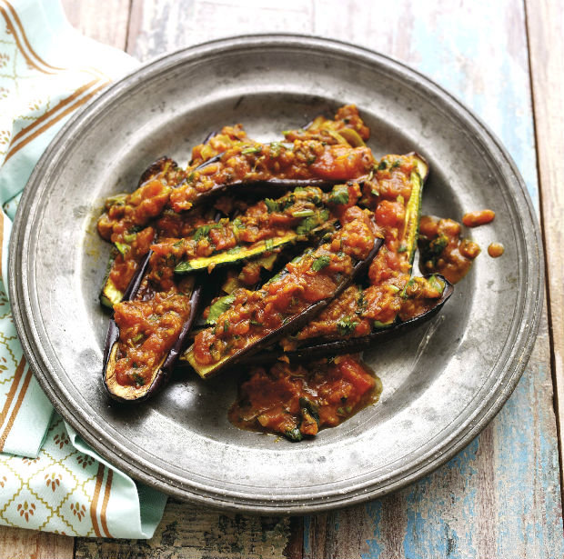 Pečený lilek a cuketa s curry omáčkou Foto: isifa.com