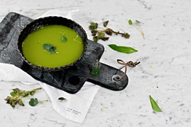 Detoxikační polévka z medvědího česneku a mladých kopřiv 2 Foto: