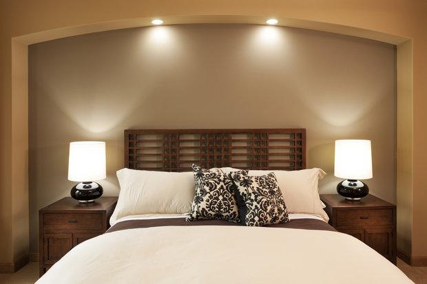 S osvětlením si pohrajte, bude skvělé nasvítit si ložnici podle momentální nálady Foto: