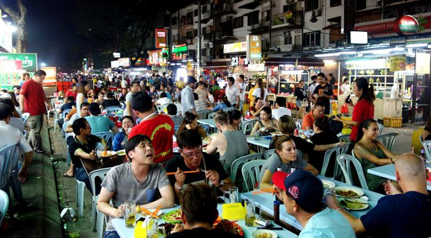 Za jídlem do Malajsie - Street food market v Kuala Lumpur Foto:
