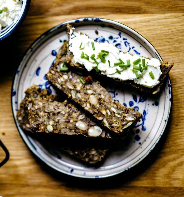 Semínkový chléb s ořechy  Foto: