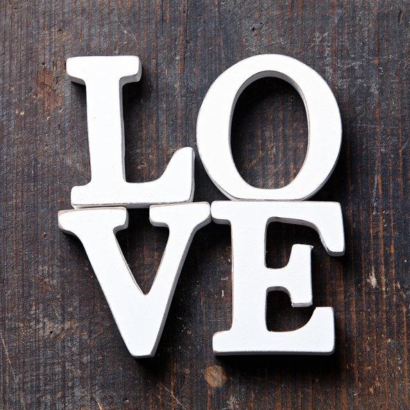 Miluje vás? Vyčtěte lásku z jeho gest a přístupu k vám Foto: