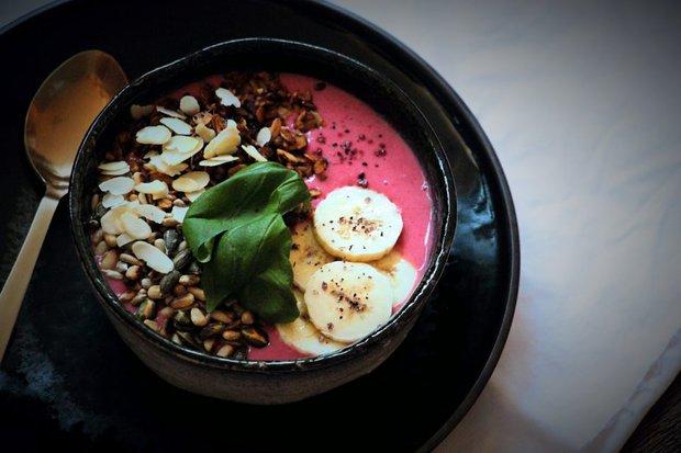 Banánovo-malinová smoothie bowl 2 Foto: