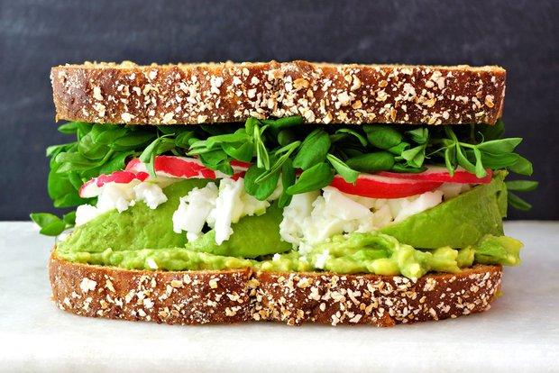 detox sendvič s chlorellovou pomazánkou Foto: