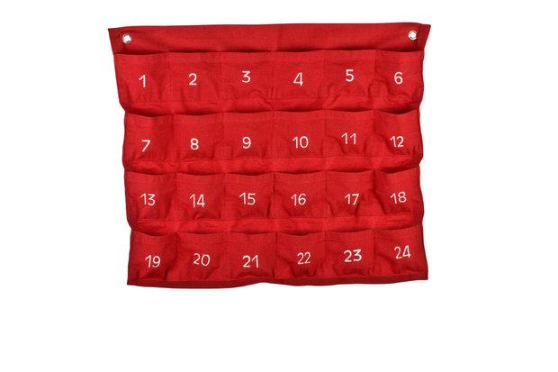 Máte doma starší kapsář? Přeměňte ho na adventní kalendář. Foto: