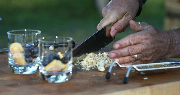 Pohár s borůvkami a pistáciemi 4