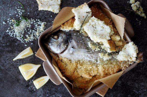 Pražma v solné krustě s citronem  Foto: